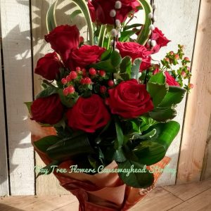Romantic Hearts and roses