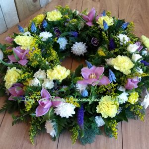 Traditional style large wreath